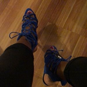 Sexy electric blue gladiator sandals!